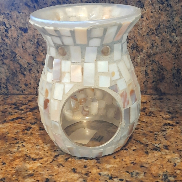 Mosaic mother of pearl diffuser